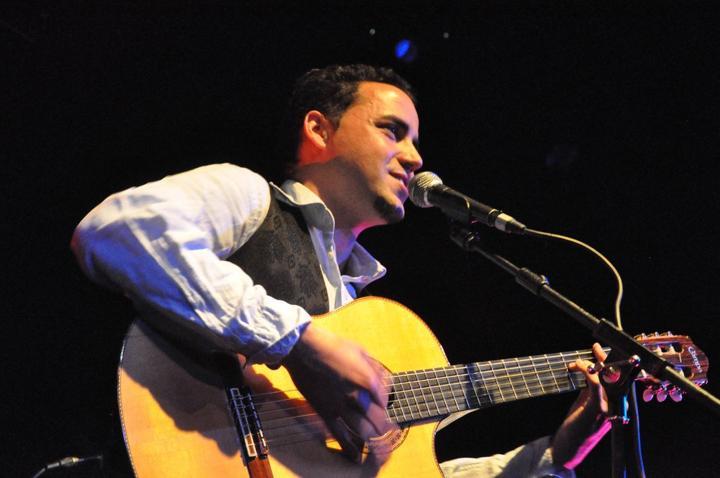 Singers - Javier Moreno - Guitarist & Singer